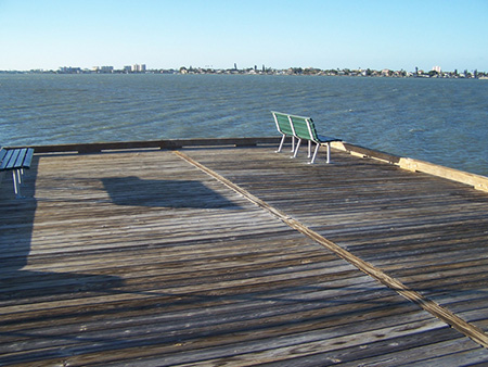 Fishing piers jungle prada park for Tampa bay fishing outfitters