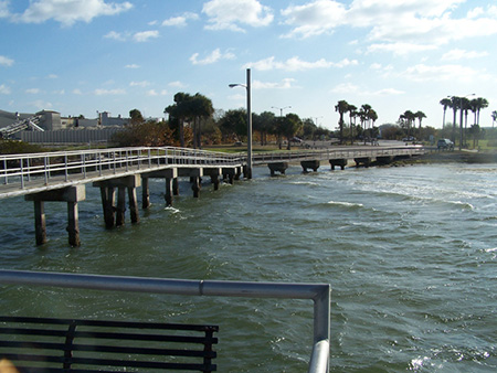 Fishing piers picnic island park for Tampa bay fishing outfitters