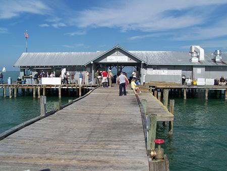 Fishing piers anna maria city pier for Anna maria island fishing pier