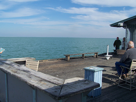 Fishing piers anna maria city pier for Tampa fishing outfitters